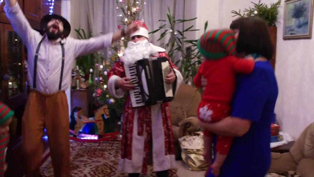 Новогодние танцы угоранцы под аккордеон