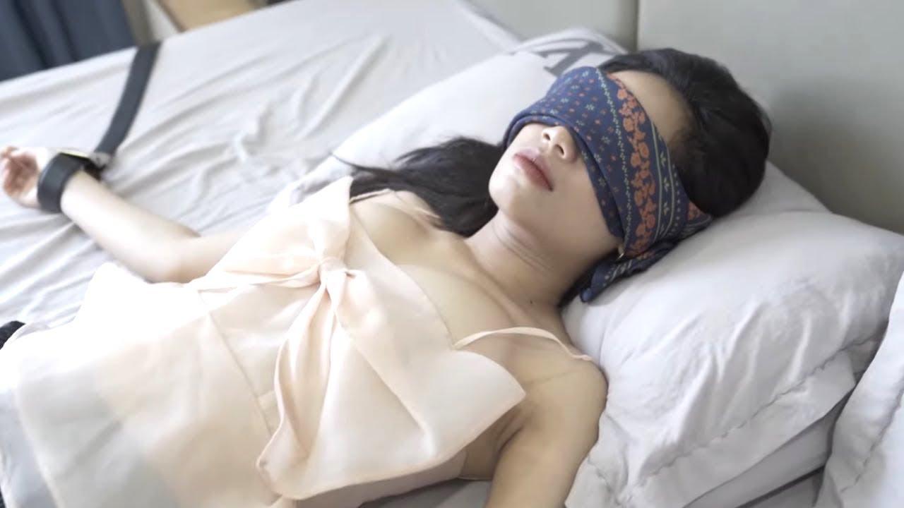 Chồng YẾU Liệt Giường, Gái Xinh YÊU Anh Thợ Điều Hòa Để Thỏa Mãn | Phim Ngắn Tình Yêu 2021