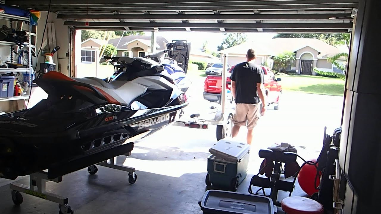 Using an Aqua Cart AQ19 To Remove JetSki From Trailer