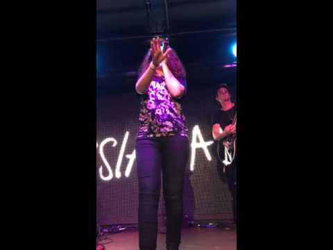 Alessia Cara - Hotline Bling Drake Cover (Live)