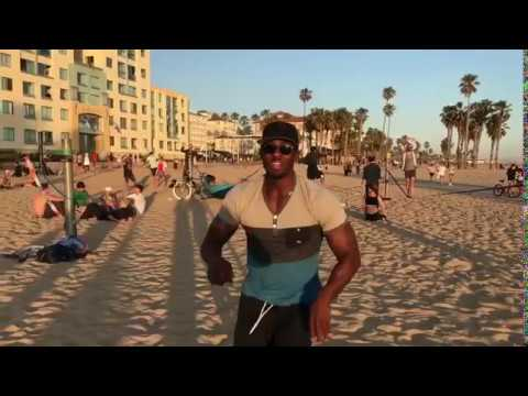 Hanging out on Muscle Beach Santa Monica