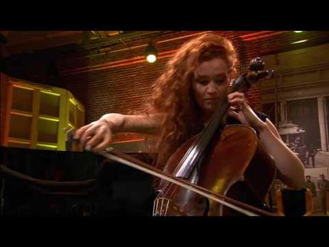 Julie en Camille Berthollet - Flight of the Bumblebee - Rimsky-Korsakov - Podium Witteman