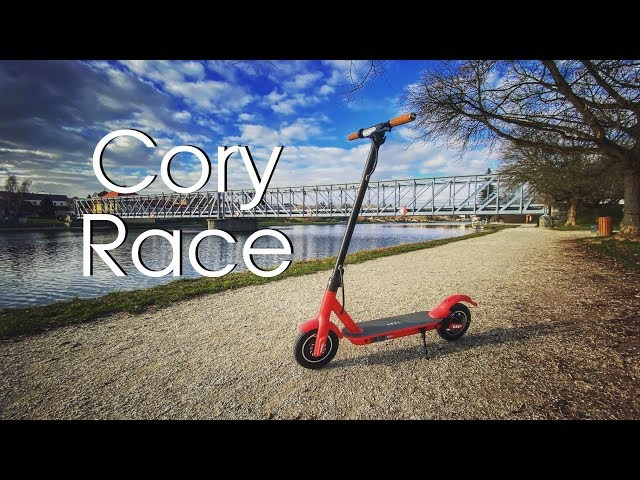 Cory Race - zabiják Mi Scooter Pro - rozbalení a první jízda