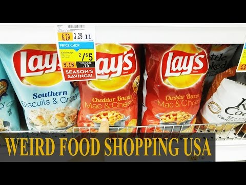 FIRST TIME IN AMERICAN DOLLAR TREE STORE-  Strange Snack Shopping USA - Montreal Vlogger