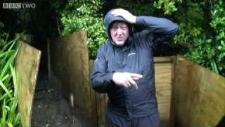Stephen Fry: Toilet Danger - Last Chance to See - BBC Two