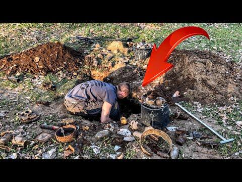 Wir graben ein TIEFES LOCH und finden UNGLAUBLICHES!! (Silber, Schatzsuche, Sondeln, Metalldetektor)