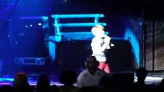Baylee Littrell opening Backstreet Boys' show with Fantasy and ABC