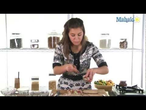 How to Make Spicy Tuna Salad