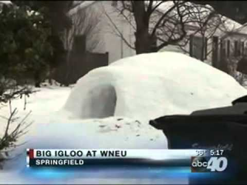 Students Build Igloo On Campus Youtube
