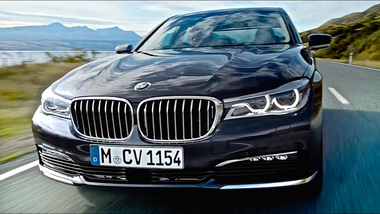 2016 BMW 7 Series on the race track - YouTube