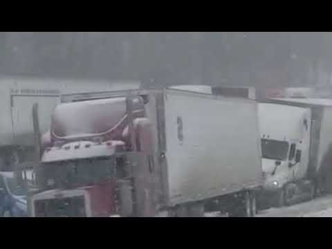 Semi Truck Pileup Today MM 120 I40 Westbound Near Jackson, Tennessee Drivers Be Careful