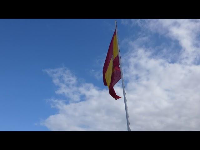 Arriado de Bandera en el Día de las Fuerzas Armadas 2019 en el Real Castillo de Santa Catalina.