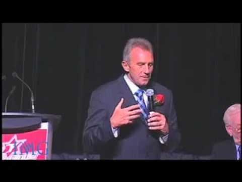 IMG Speakers Presents: Joe Montana - Legendary NFL Quarterback