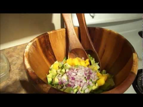 salade-simple-mais-délicieuse-(mangue-et-avocat)