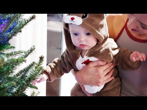 BABY'S CUTEST REACTION TO HER FIRST CHRISTMAS TREE!!!!