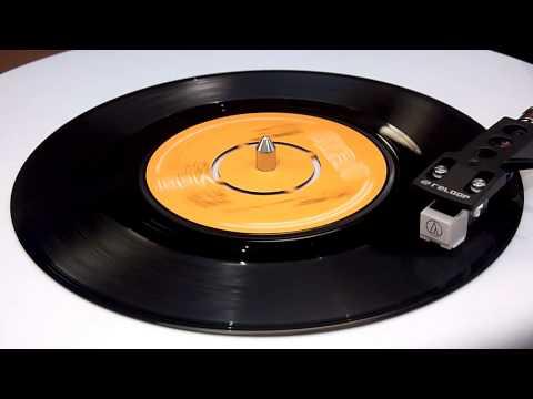 Elvis Presley - Burning Love - Vinyl Play