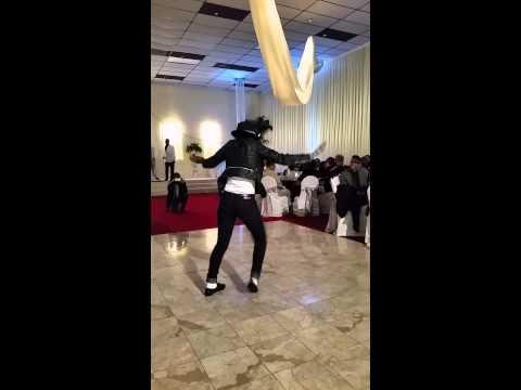 Shemya dancing like MJ 2014