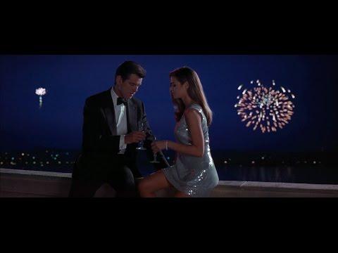 Time to unwrap a present (A Christmas Joke) [James Bond Semi Essentials]