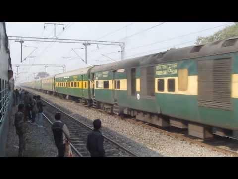22406 Delhi Anand Vihar T - Bhagalpur Garib Rath Express thrashing Zamania !!