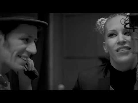Anna and the Barbies feat Maszkura és a Tücsökraj - Utópia
