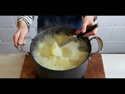 Вопрос: Чем полезен картофельный отвар для рассады?