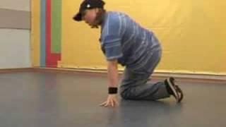 Обучающее видео break dance(брейк-данс): связка 1(Школа танцев «Драконы» (www.DRAKONI.ru): профессиональное обучение верхнему и нижнему break dance, hip-hop., 2008-09-18T11:17:51.000Z)