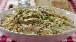Chicken Recipes - How to Make Creamy Chicken on Linguine