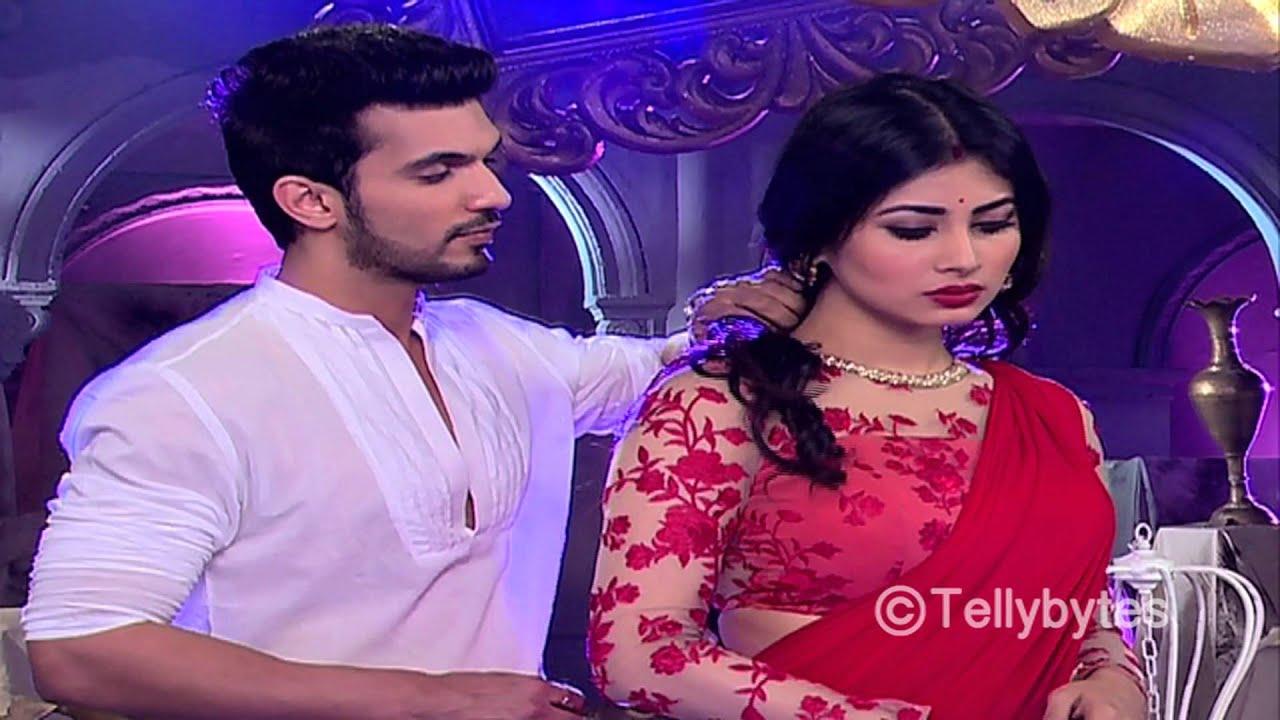 2015 television s romantic couple ritik aka arjun and shivanya aka mouni s romance from naagin