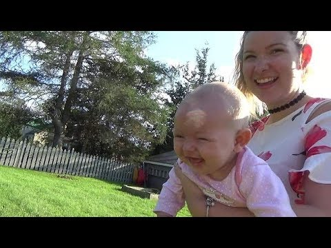 Baby finds dog's bark absolutely hysterical