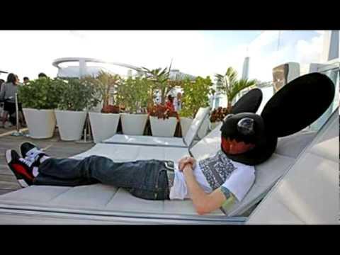 Deadmau5 vs. La Roux - In For The Strobe (Bladrunner Bootleg Mix)