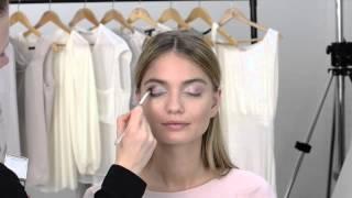 Видео урок: макияж глаз с эффектом омбре(Хочешь попробовать что-нибудь новое? Как насчет макияжа глаз в розовых тонах с эффектом омбре? В нашем экскл..., 2014-09-12T10:29:38.000Z)