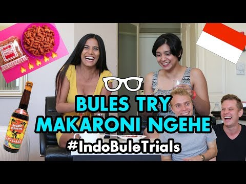 """#IndoBuleTrials: Bules Try SPICIEST Indonesian """"Makaroni Ngehe"""" (F*ck Macaroni) 