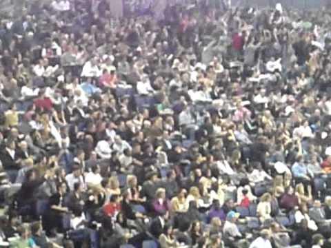 NBA: Raptors vs Nets 4/3/11 London O2 arena -  360 wave