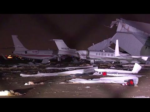 Airport hangar collapses, crushes several planes, during strong storm in Houston