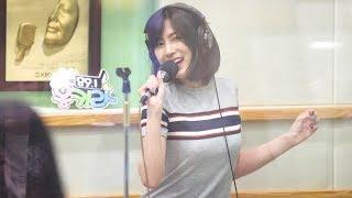 Download Video 170712 에이핑크 (Apink) 'Just A Feeling' 노래방 LIVE 오하영 4K 직캠 @이홍기의 키스 더 라디오 4K Fancam by -wA- MP3 3GP MP4