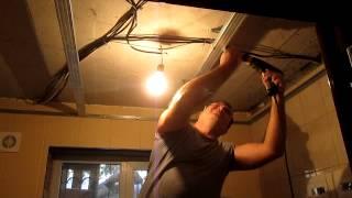 Пластиковые панели на потолке, каркас(монтаж каркаса для пластиковых панелей., 2014-09-30T00:50:52.000Z)