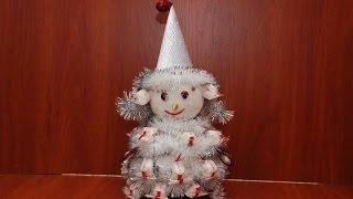 Снеговик из конфет. Подарок к Новому году. Snowman of Candy. New Year's gift.