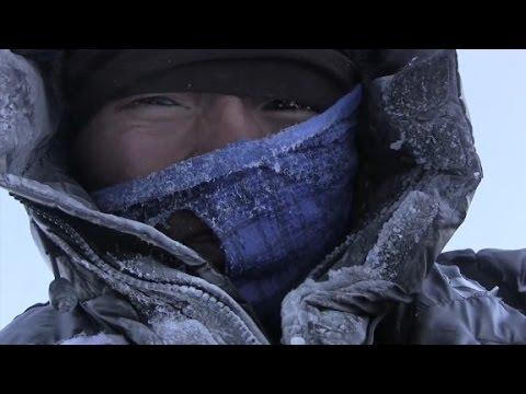 First Everest climb since avalanche begins