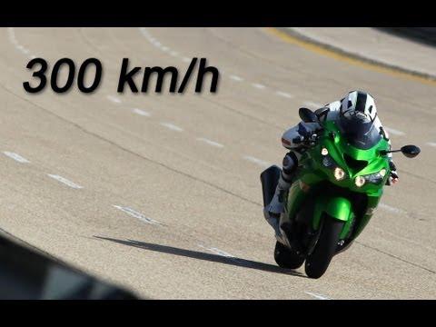 Kawasaki ZZR1400 MY 2012 300 Km/h A Nardò   YouTube
