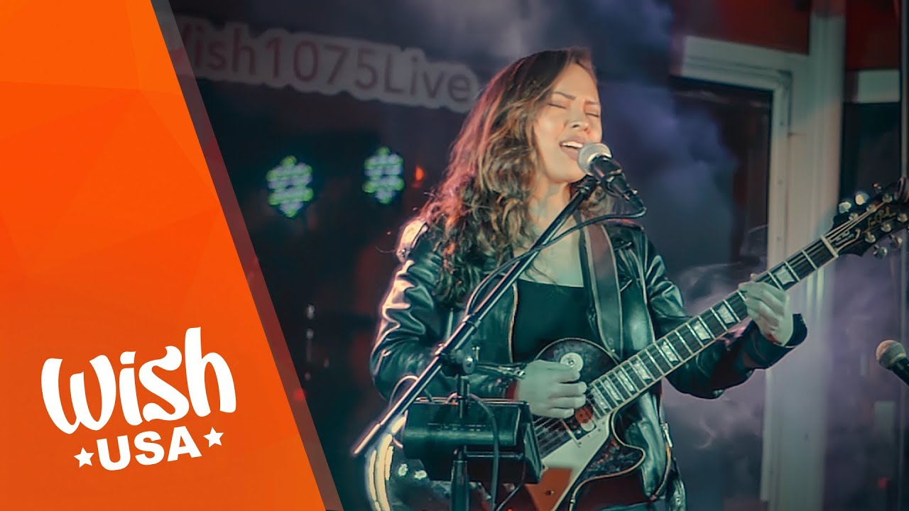 """Jessica Louise performs """"Fake High"""" LIVE on Wish USA's Stopover Sessions"""