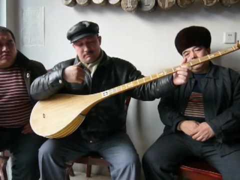 Uyghur Dutar Player Abdurehim Heyit in Kashgar