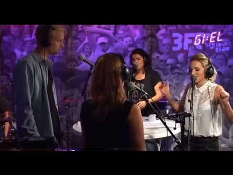 Krystl - Royals (cover At 3FM), With Ao. Bassplayer Phaedra Kwant On Backing Vocals And Percussion