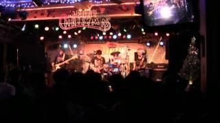 yama3_yama3 (G:担当)のやっているバンド、「THE HYPES」のLIVE映像か...