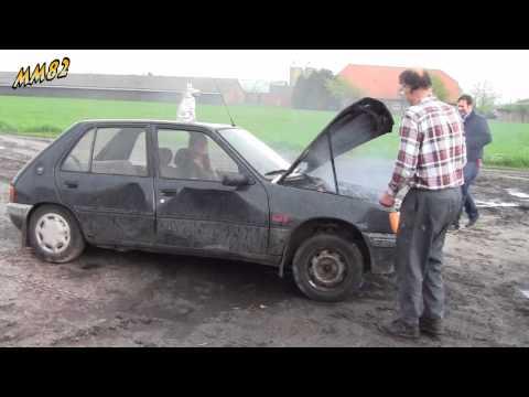 Yvonne destroys a Peugeot 205