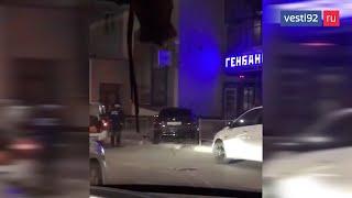 В Симферополе в ДТП у офиса Генбанка получили повреждения два автомобиля
