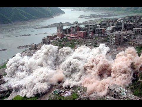 Inside The Three Gorges Dam A Man Made Disaster