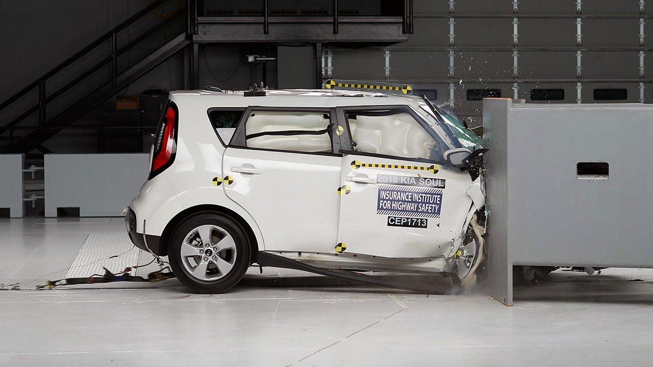 2018 Kia Soul Passenger Side Small Overlap Iihs Crash Test Youtube