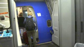Boarding to Southwest Airlines flight 930 from Houston Hobby Airport