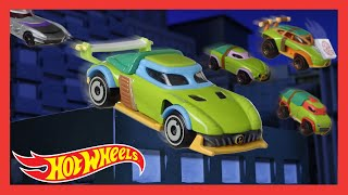 "Hot Wheels® Teenage Mutant Ninja Turtles™ Character Cars Drive in ""Pizza Delivery"" 