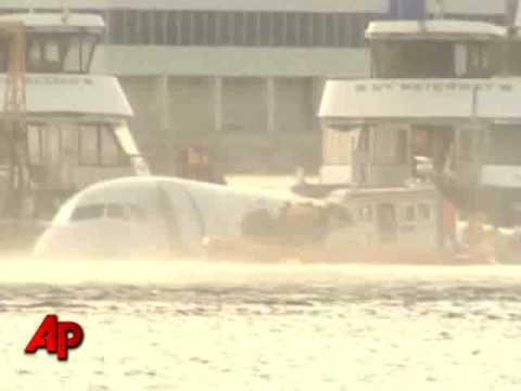 Witness: Heard Plane's Engine 'Explode'